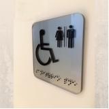 placa de sinalização banheiro cotação Piracicaba